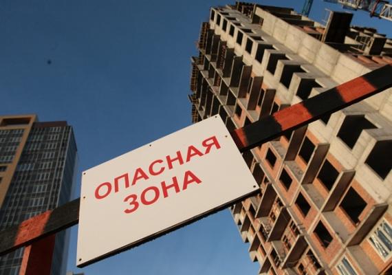 Власти Ленинградской области через суд требуют отменить документы, которые позволяют компании «Дальпитерстрой» построить 23-этажный комплекс в Новом Девяткино
