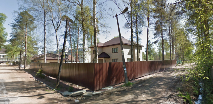 Пересечение ул. Чернышевского и Театрального переулка. Место, где раньше был театр Кяу.