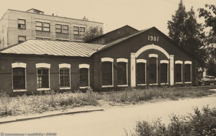 Ириновская железная дорога. Здание ремонтных мастерских Ириновской железной дороги