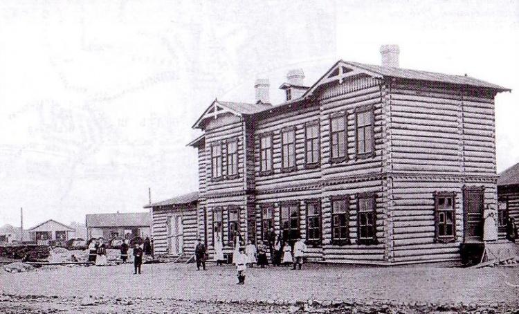 Ириновская железная дорога. Старый Охтинский вокзал (расположен на старой станции Большая Охта). 1892 год.