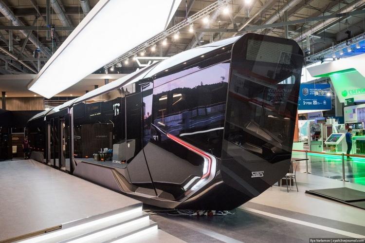 Обслуживать легкорельс Санкт-Петербург - Всеволожск планируется трамваем R1 (видео)