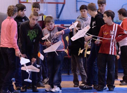 В посёлке Разметелево Всеволожского района прошло соревнование юных авиамоделистов