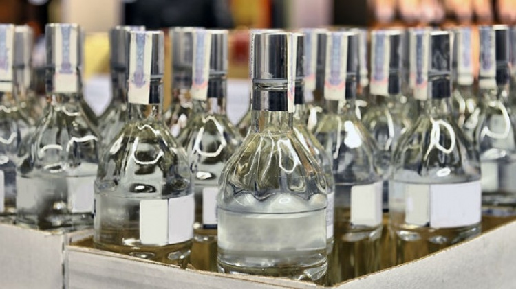 В Ленобласти за год изъято 500 тыс. литров нелегального алкоголя