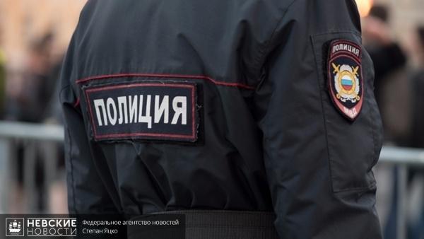 Полицейский при задержании угонщика в Лавриках пожертвовал личным авто