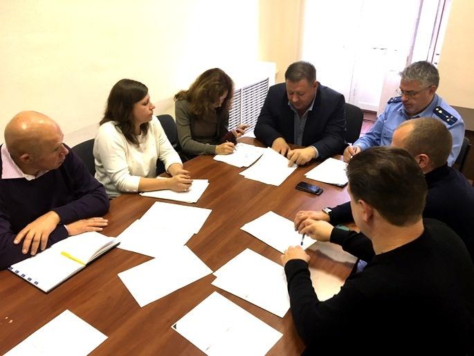 Прокуратура обсудила проблемы в сфере обращения с отходами в районе под Петербургом