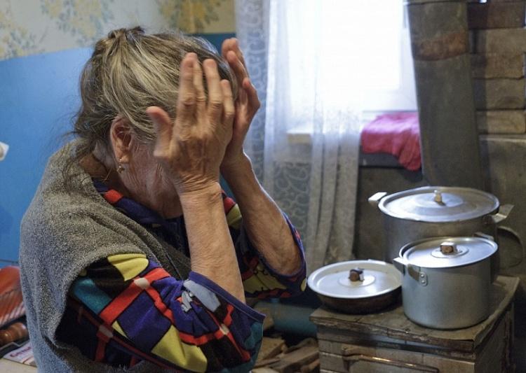 Два «цыгана» похитили у 81-летней петербурженки около 200 тысяч рублей