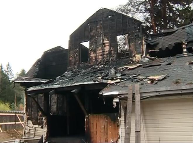 Выжившей в пожаре 11-летней девочке помогают соседи бизнесмены и губернатор