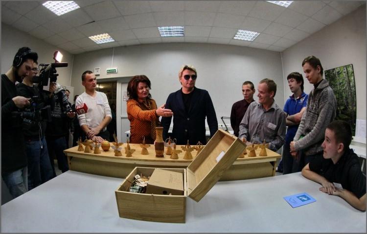 Всеволожский Мультицентр для инвалидов покорил Николая Баскова