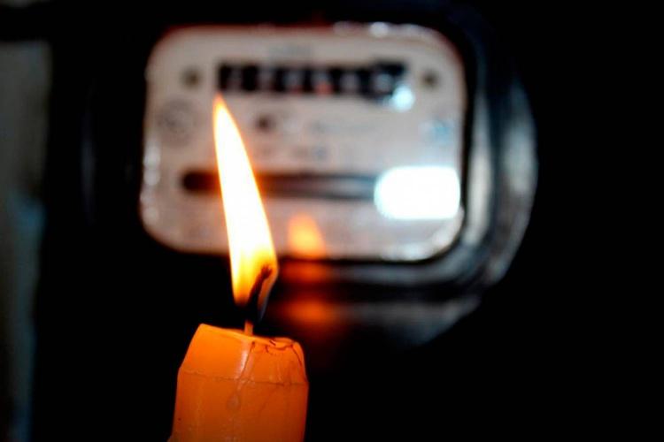 Во Всеволожске из-за аварии на высоковольтной линии отключено электроснабжение