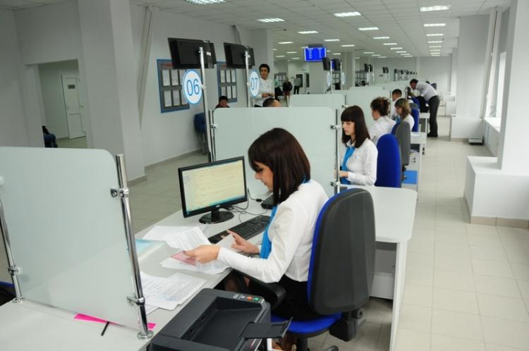 В первый день приема в МФЦ приняли 175 заявок в школы Всеволожского района