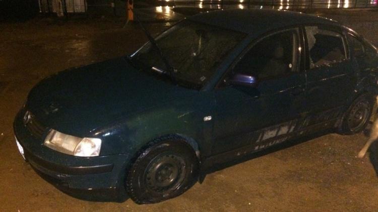 В Янино неизвестные «изувечили» автомобиль