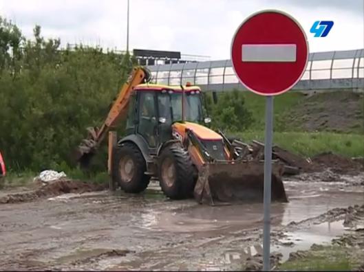 Власти Ленобласти недовольны организацией дорожного строительства в Мурино (видео)