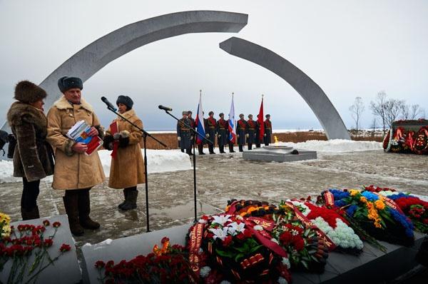 Ветераны встретились у «Разорванного кольца» в честь 76-летия Дороги Жизни