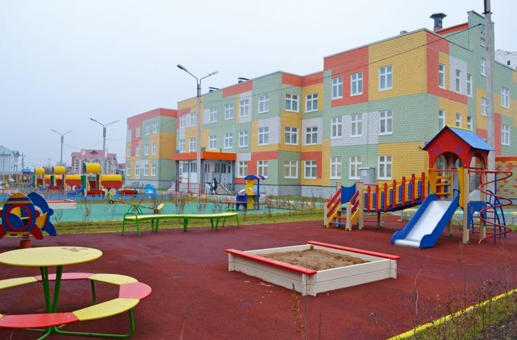 Драчев обещал пристроить в детсады 15 тысяч дошколят