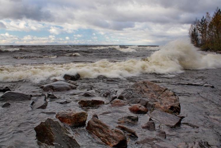 Двое мужчин погибли в субботу на Ладожском озере