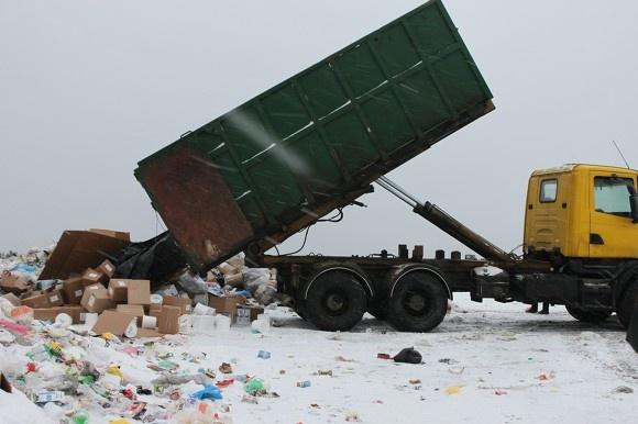 Незаконная свалка в Колтушах действует уже два года
