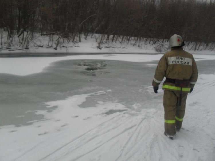 Лыжник утонул в реке рядом с Керро