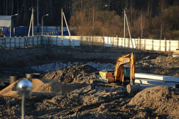 В Кудрово застройщик пятый день не дает Ленэнерго восстановить электроснабжение. Фото Сергея Николаева