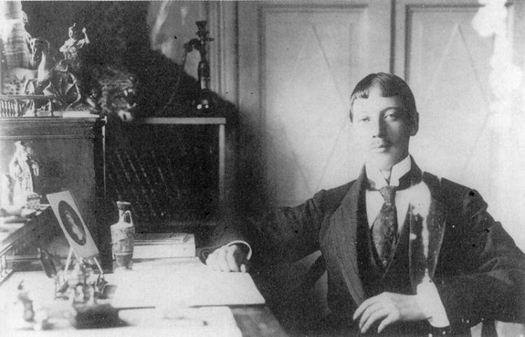 Историки установили точную дату гибели поэта Николая Гумилева