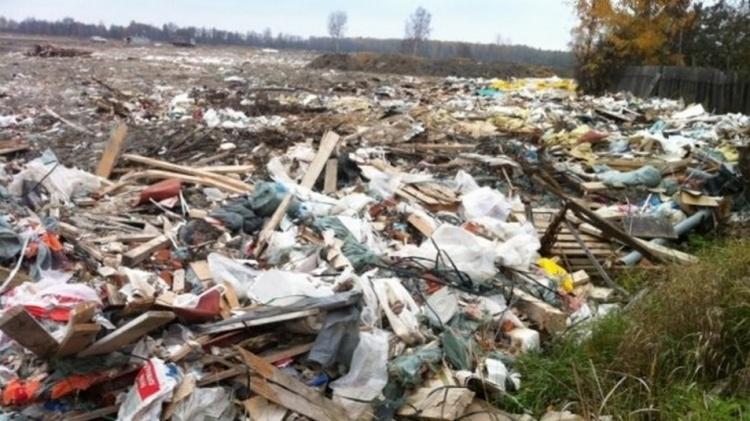 Жителей поселка имени Свердлова защитят от мусора