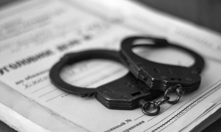Житель Дубровки за выпивкой убил двоих мужчин