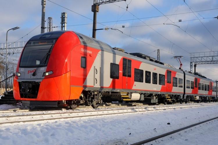 С 11 декабря пригородные поезда переходят на новый график движения