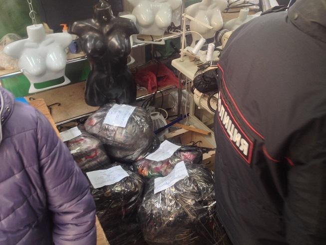 В Кудрово демонтировали незаконные магазины