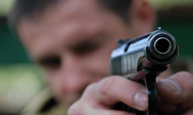 Начальник-инженер застрелил подчиненного мигранта за долги