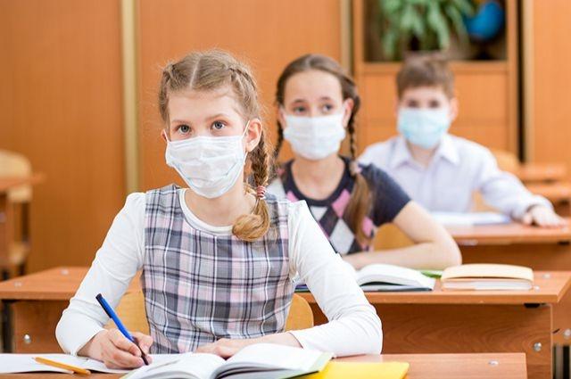 В Ленобласти простудные заболевания закрывают школьные классы и детские сады