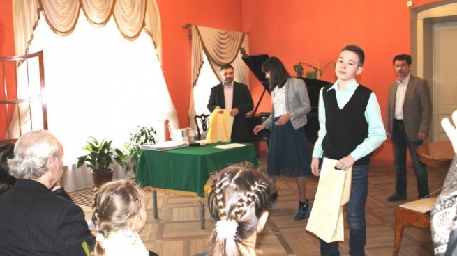 Авторы из Всеволожска стали одними из победителей поэтического конкурса «На волнах вдохновения»