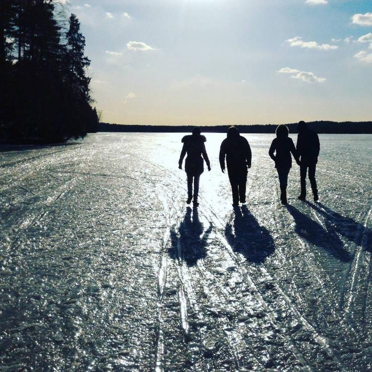 Трое детей погибли, провалившись под лёд озера в Токсово. Фото: samsdib1611