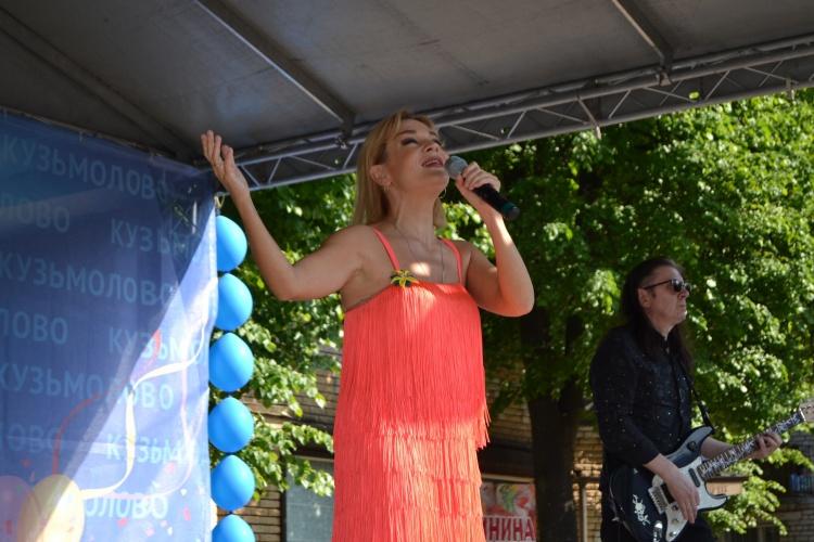 Татьяна Буланова отметила сценический талант кузьмоловчан