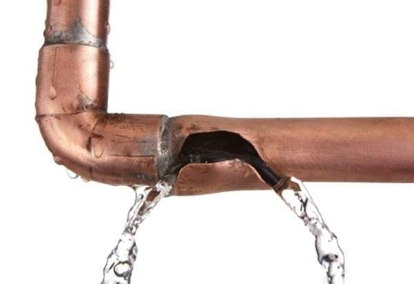 Гидроудар лишил жителей Кудрово горячей воды