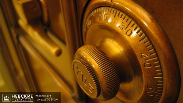 В Буграх у пенсионера из сейфа украли более миллиона рублей