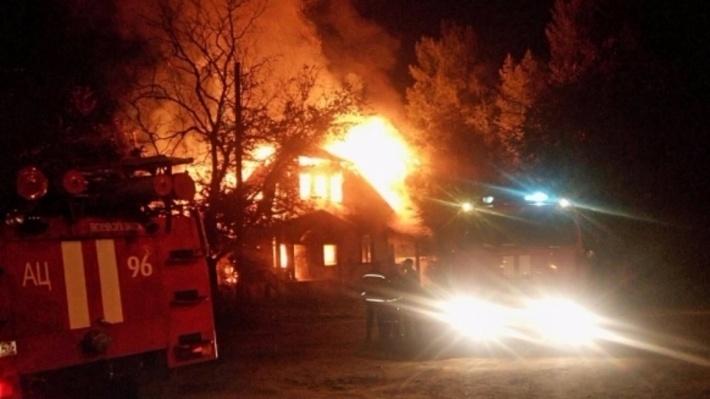 В Касимово при пожаре в частном доме погибла семья