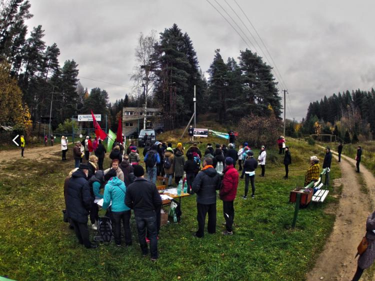 В Токсово прошел митинг против захвата и застройки лесов