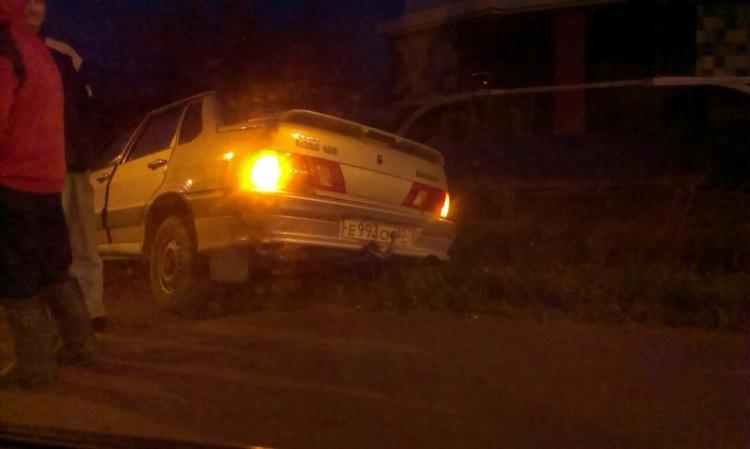 Очевидцы: На Дороге Жизни в ДТП попал Nissan Tiida с тремя детьми в салоне