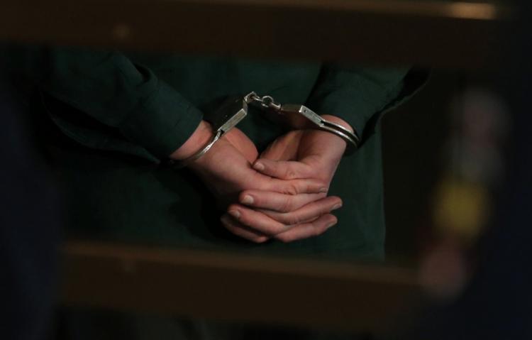 Полицейские, фиктивно задержавшие бизнесмена, взяты под стражу