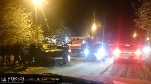 В деревне Корабсельки произошло серьезное лобовое столкновение