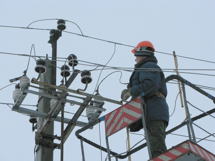 Около тысячи человек в Кудрово остались без света