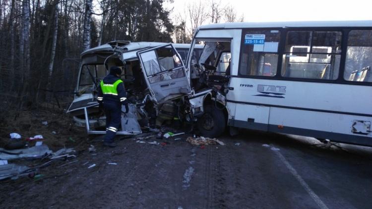 Во Всеволожском районе столкнулись две маршрутки, есть пострадавшие