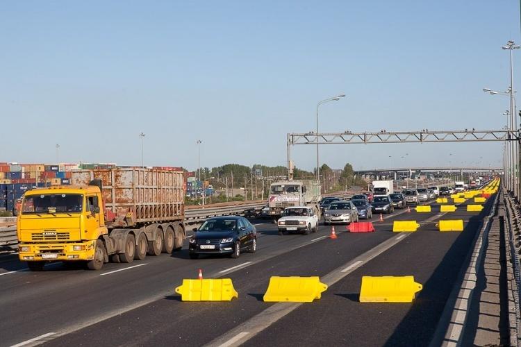 На КАД в районе Колтуши до начала июня закроют движение по двум полосам