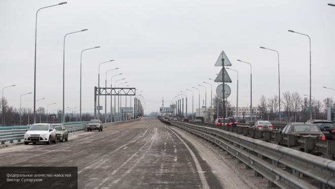 Многокилометровые заторы вновь скопились на востоке КАД в Петербурге