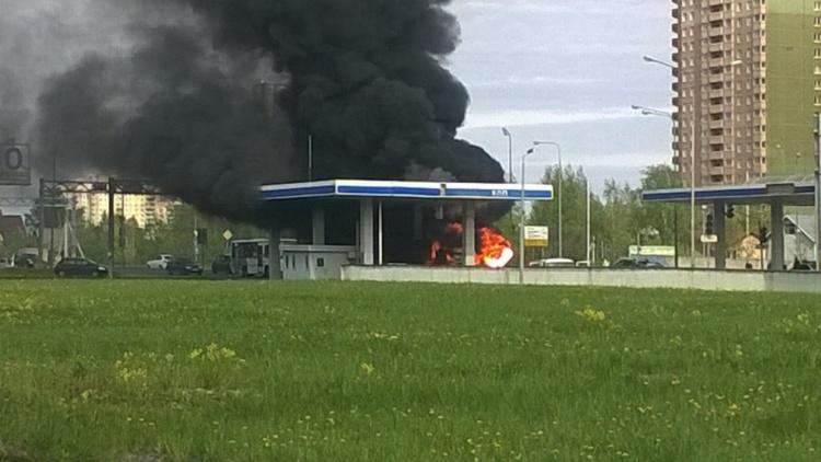 В Мурино у поста ДПС сгорела ГАЗель
