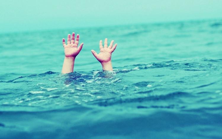 Пятилетний мальчик едва не утонул в Мурино, пока его родители спали пьяным сном