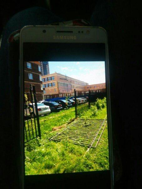 Забор детсада в Мурино придавил ребенка