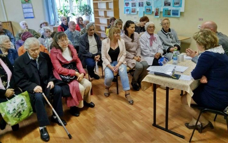 Кузьмоловчане задали вопросы руководству Токсовской больницы