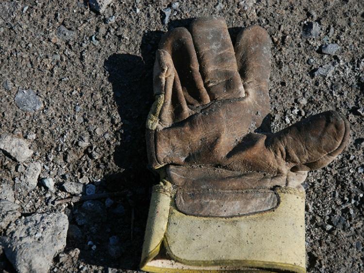 Рабочего в Кудрово впечатала в землю упаковка утеплителя