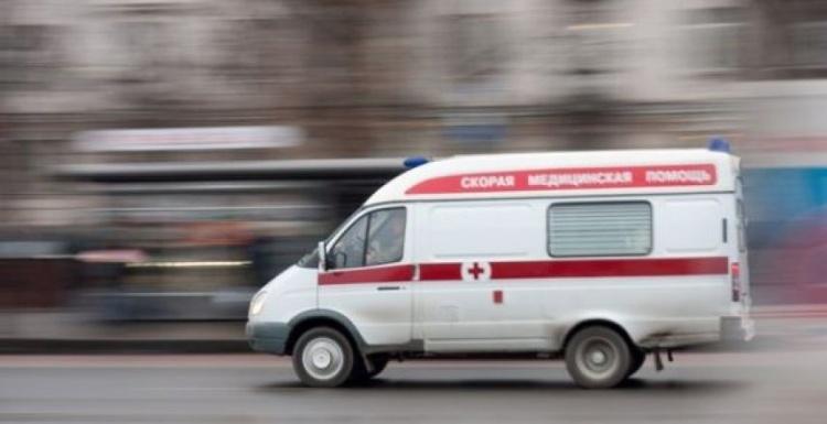 В Новом Девяткино пьяная посетительница бара упала с террасы бара