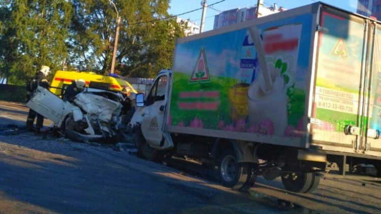Два человека погибли в ДТП на дороге Петербург — Колтуши